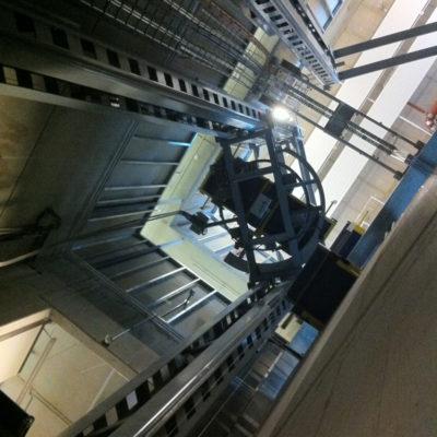 Senkrechtfoerderer Logistik Systeme Paletten Vertikalfoerderer Materialflusssysteme Baust