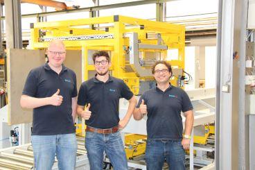 Vollautomatische Anlage 1000 Quadratmeter Materialflusssysteme Stanztechnologie Rollen Automation Baust Gruppe Unternehmen